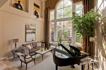 Interior Design Traditional Living Room – 2010